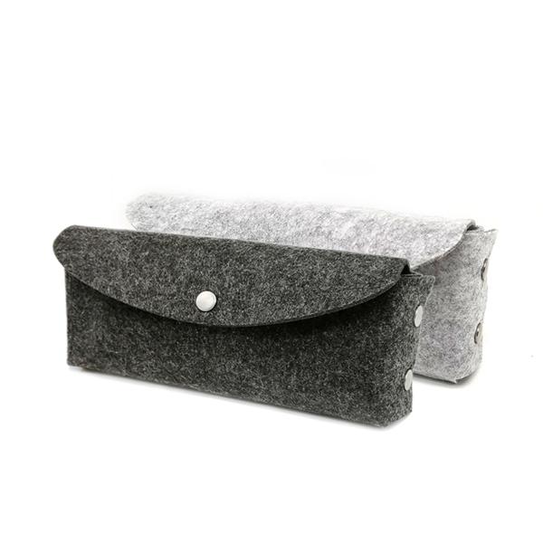 灰色毛毡文具袋带拉链